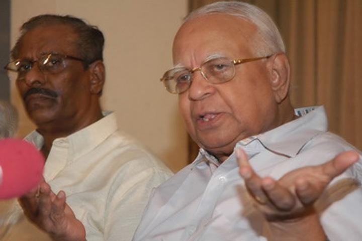 R_-Sampanthar-at-the-press-conference