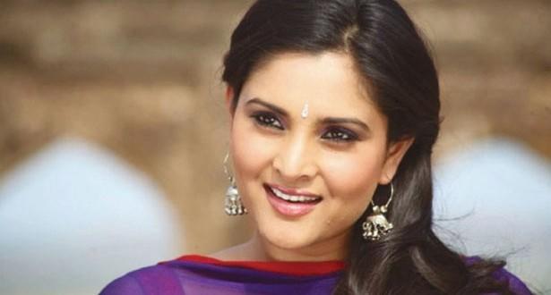 201704201538432858_Actress-Ramya-in-Karnataka-dismisses-sedition-case_SECVPF
